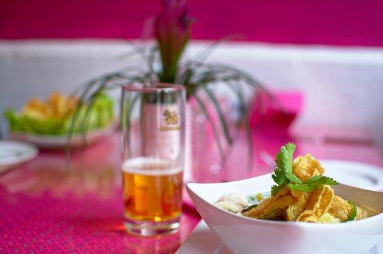 Naestved, Dinamarca: En lækker Wan Ton suppe med friske grønsager.
