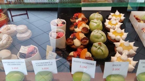Chaumont, Francia: Des pâtisseries qui vous attirent....et vous font craquer pour votre plus grand plaisir