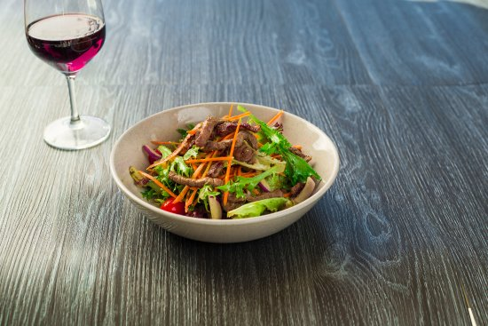 Chermside, Austrália: $10 Thai Beef Salad