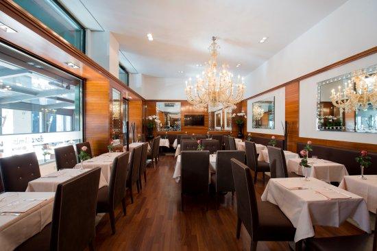 Sant Ambroeus Milano Milan Centro Storico Restaurant