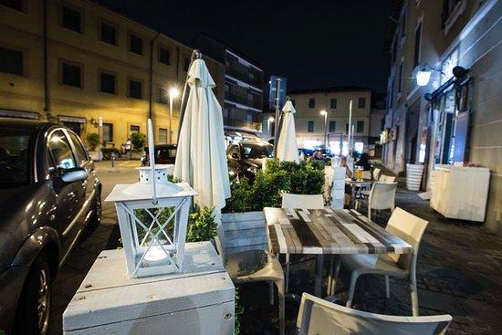 Senago, Italien: esterno notte