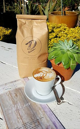 Rosebank, South Africa: Now Serving DeluxeCoffee !
