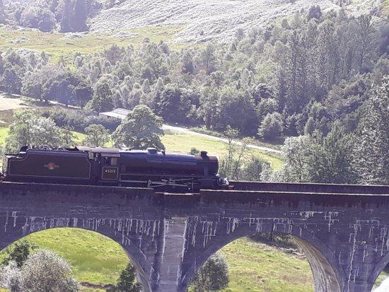 Glenfinnan, UK: Hogwarts Express going from Fort William to Malaig