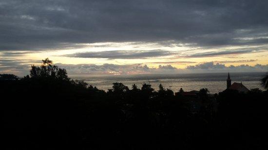 Anse Royale, Seszele: Healing Islands_Sonnenuntergang Aussicht vom Balkon