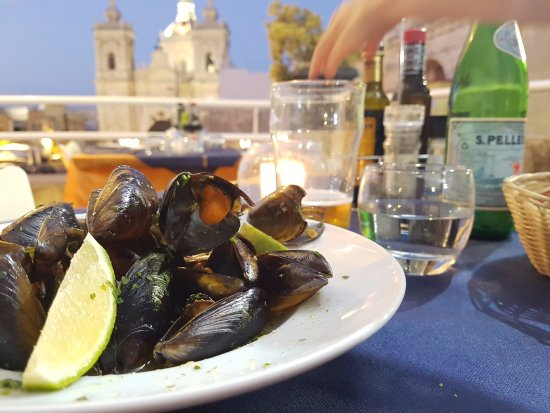 Xaghra, มอลตา: Mussels with a view