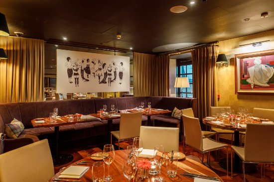 Main dining room picture of suesey street dublin for Best private dining rooms dublin