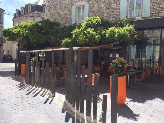 Fontenay-le-Comte, France: nouvelle terrasse