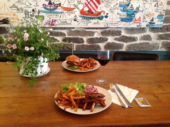 Burgerman : Quelques ribs et un burger pour un lunch...Bon Appétit!!!