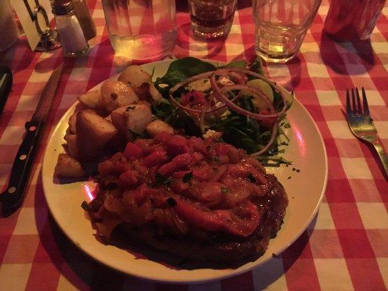 Derby, Australia: Le Spanish Steak ! Grande portion