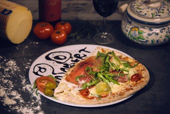 Kuopio, Finlandiya: Pizza Robert De Niro