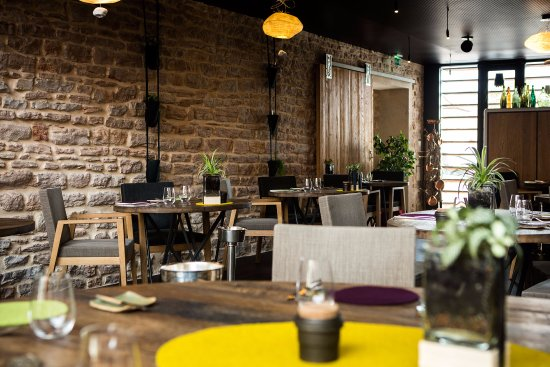 Aux Terrasses : salle de restaurant