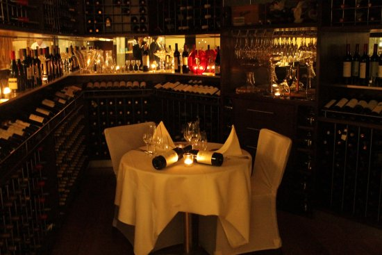 Bunbury, ออสเตรเลีย: Private wine dinner for 2 in our Wine Room - perfect for that special anniversary