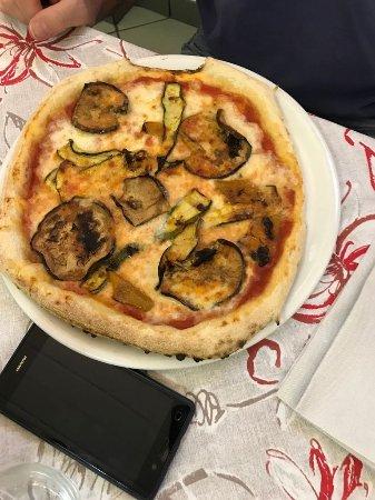 Cadrezzate, อิตาลี: Pizza ortolana