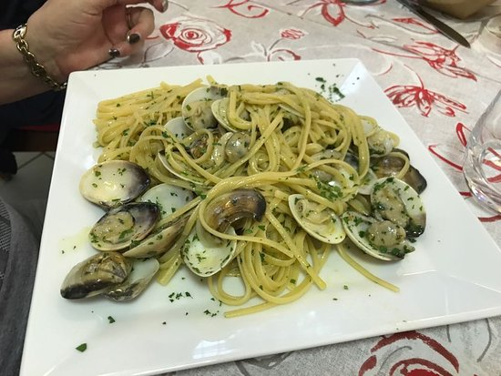 Cadrezzate, Italy: Linguine alle vongole