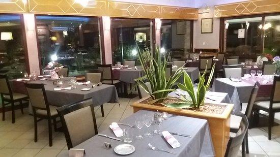 Haute-Savoie, France : La salle