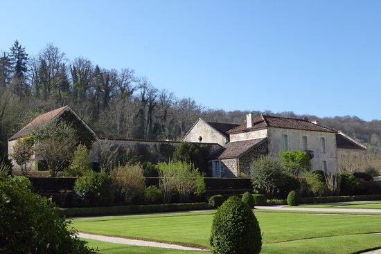 Montbard, Fransa: Nebengebäude