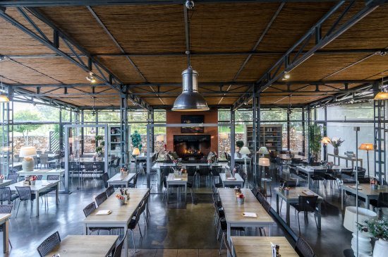 Pizzeria Casavostra: Inside