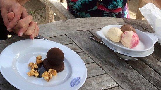 Kingham, UK: Emily's ice creams and chocolate salted caramel bombe