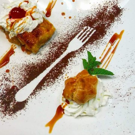 Villamartin, Ισπανία: Homemade desserts,  steaks, burgers and much more wait for you