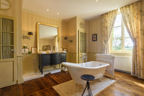 salle de bain photo de le chateau de courban spa nuxe courban tripadvisor. Black Bedroom Furniture Sets. Home Design Ideas
