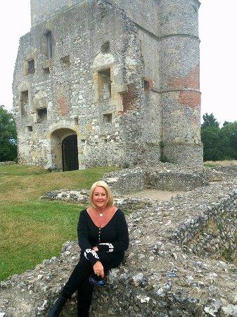 Donnington Castle: Attractive Castle