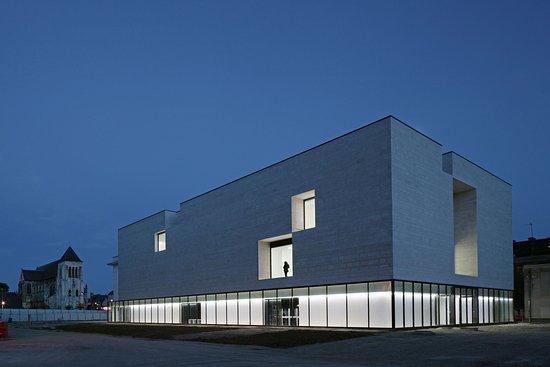 Centre de Creations Contemporaines Olivier Debre - CCCOD