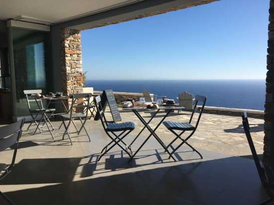 Kastro, Greece: breakfast room