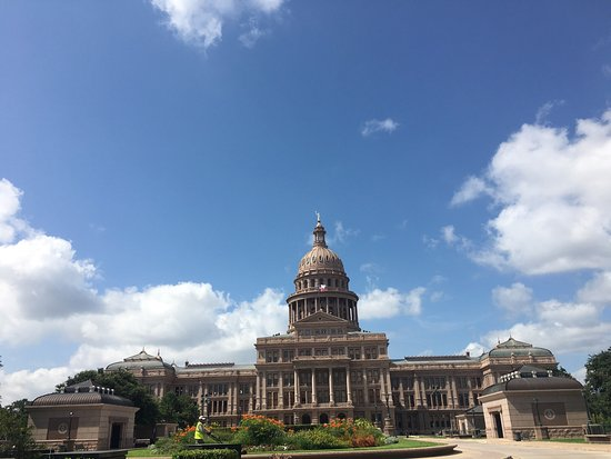 State Capitol: photo2.jpg
