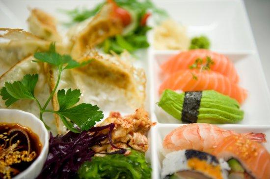 Djursholm, Suecia: Sushi & Dumplings