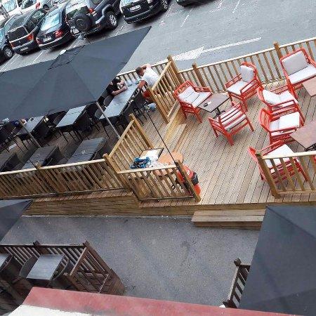 Laon, France: Notre terrasse Lounge.