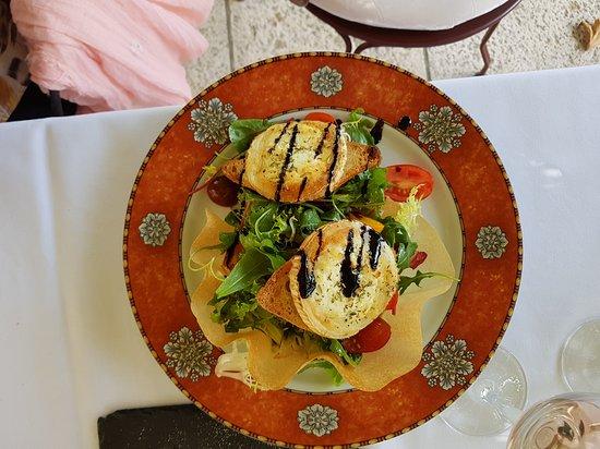 Nans-les-Pins, França: Restaurante aconchegante