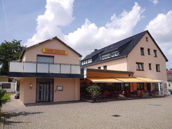 Hehlen, Γερμανία: Gesamteindruck des Hotelgebäudes