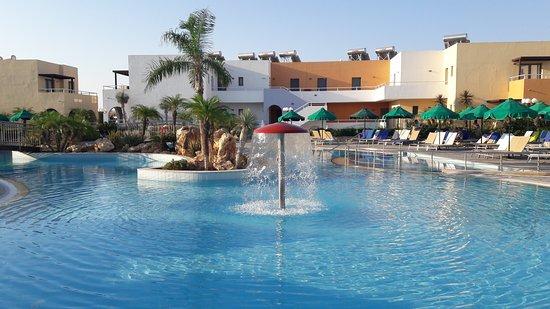 Mikri Poli Rhodos Resort: 20170716_072746_large.jpg
