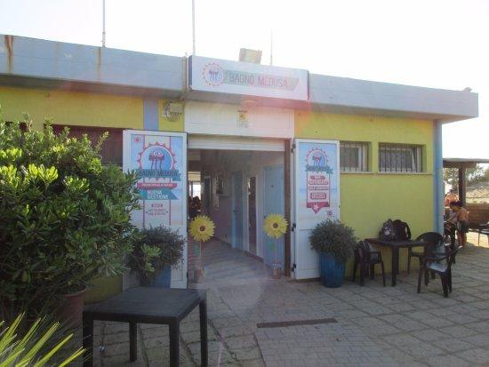 Principina a Mare, Włochy: L'ingresso al ristorante e allo stabilimento balneare