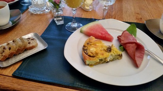 Port Wing, WI: Frittata, ham, melon and bread