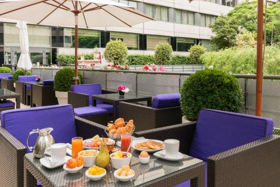 Neuilly-sur-Seine, ฝรั่งเศส: Breakfast