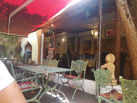 20170710 141543 picture of le cafe thai marseille tripadvisor. Black Bedroom Furniture Sets. Home Design Ideas