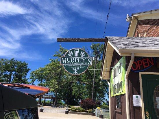 Geneva on the Lake, โอไฮโอ: New sign at Murphy's Pub!