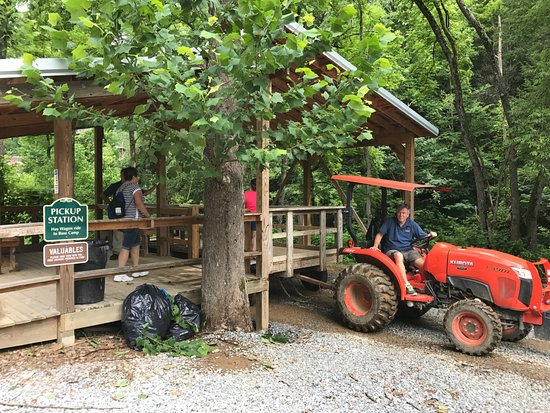 Foxfire Mountain Adventures:  Foxfire Mountain Pick-Up station in lower parking lot