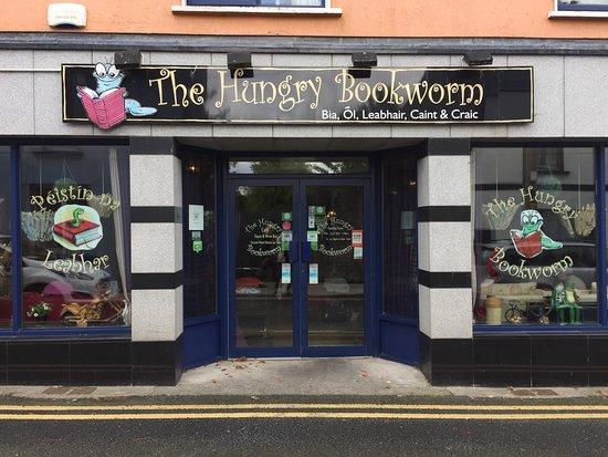 Лугри, Ирландия: The Hungry Bookworm