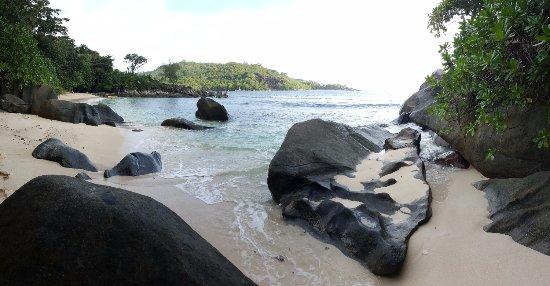 Port Glaud, Seychellene: Petite plage à coté de Port Launey