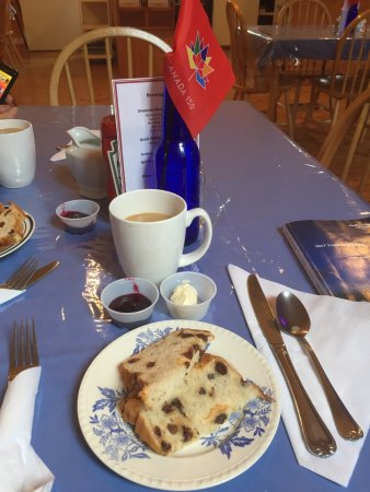 Elliston, Canada: Delicious coffee & raisin bread with homemade partridgeberry & cranberry jam!