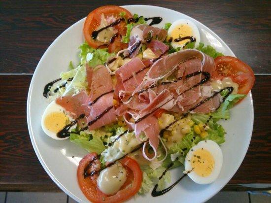 Charleville-Mezieres, Frankreich: Salade paysanne