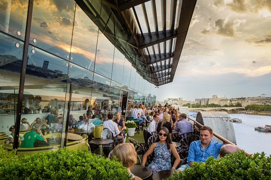 Oxo Tower Restaurant, Bar and Brasserie: The OXO Tower Bar terrace on a sunny day
