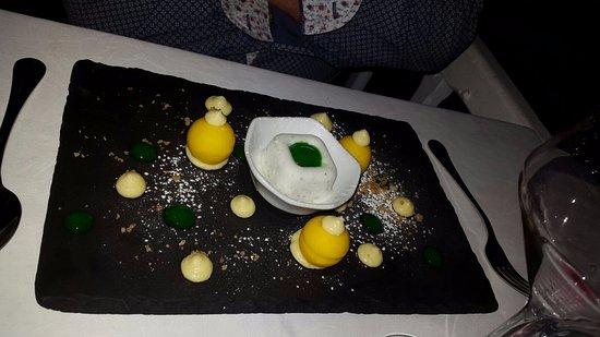 Olivet, Frankrike: Le Crémeux Citron, raffiné et élégant, une belle persistance en bouche.