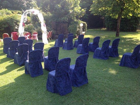 Ristorante La Mandria: Matrimonio in giardino