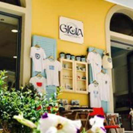 Gioia Souvenirs and Gifts