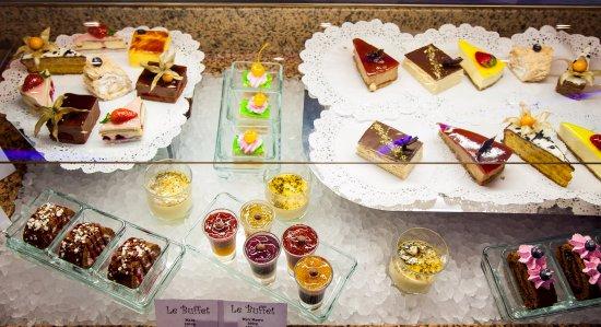 Serpukhov, Russia: Le buffet  - ресторан - шведский стол.