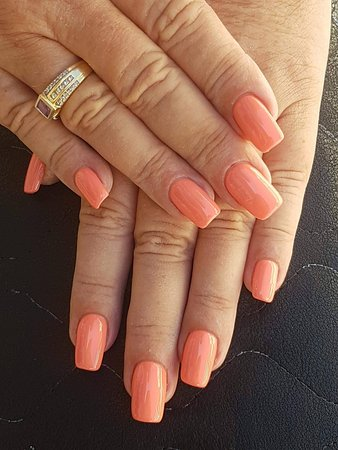 Ariel Fish Spa Shellac Peach