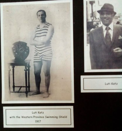 Malmesbury, South Africa: Part of the display is of the original Jewish community, including this swimmer